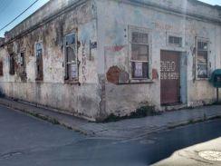 Casa Comercial à Venda